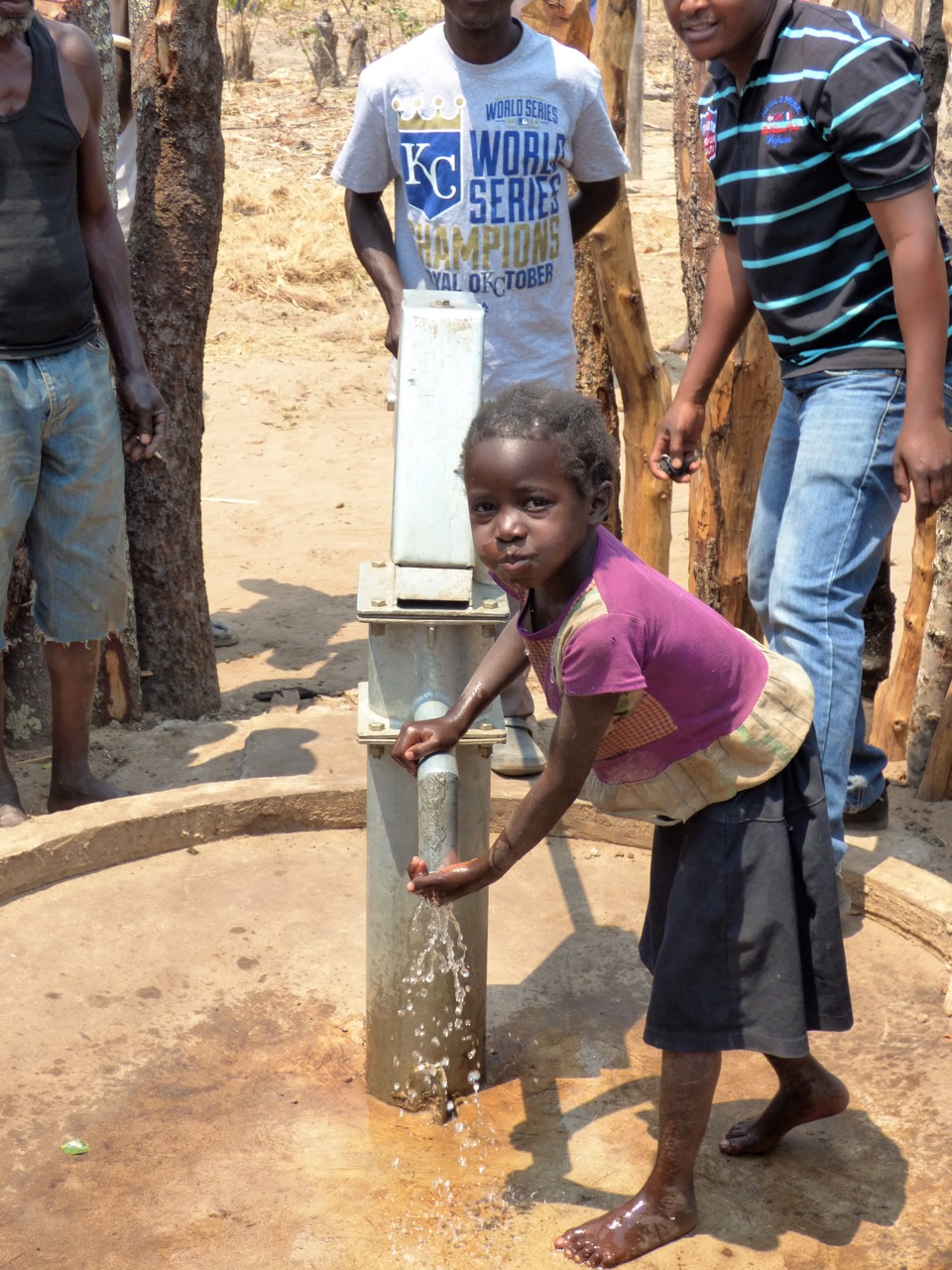 Water for Kids - new borehole in Koona