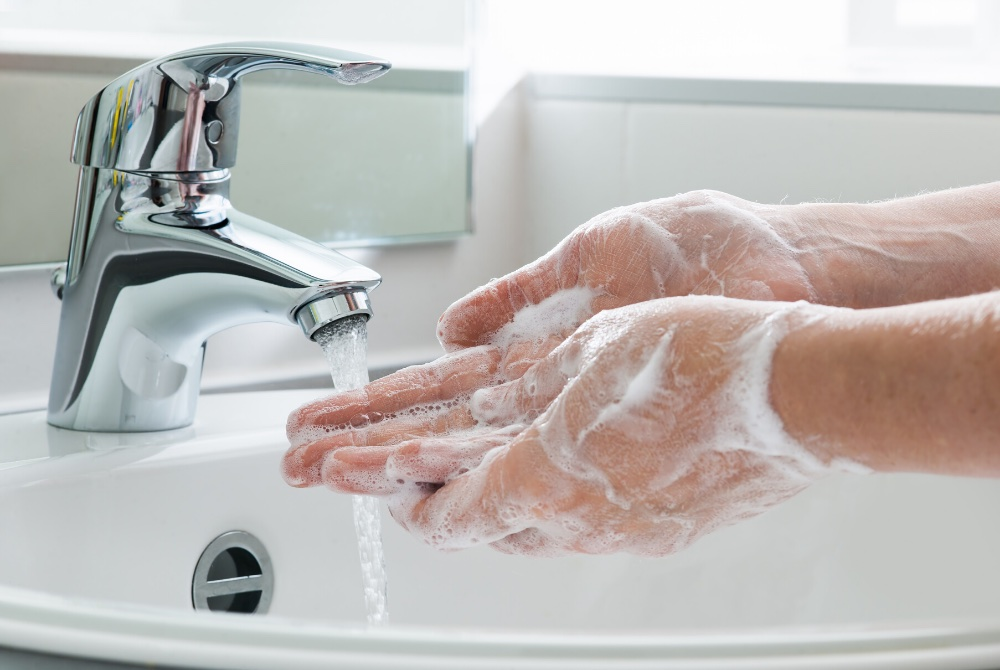 Washing hands in an HMO